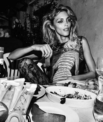 Anja Rubik dla Vogue Paris Listopad 2017 (7)