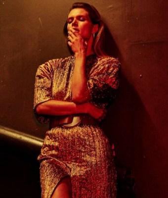 Malgosia-Bela-by-Chris-Colls-for-Vogue-Ukraine-October-2017 (15)