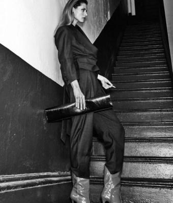 Malgosia-Bela-by-Chris-Colls-for-Vogue-Ukraine-October-2017 (16)
