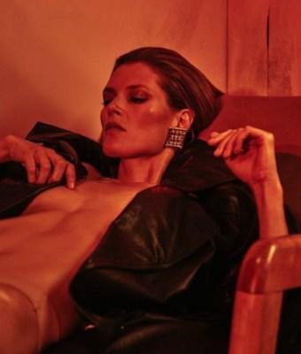 Malgosia-Bela-by-Chris-Colls-for-Vogue-Ukraine-October-2017 (2)