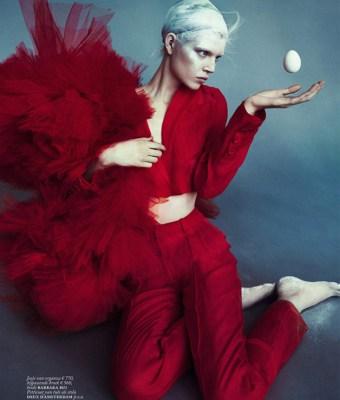 Ola-Rudnicka-for-Vogue-Netherlands-15