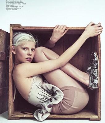 Ola-Rudnicka-for-Vogue-Netherlands-16