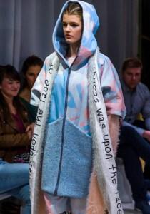 104_Smiejkowska240317_web_fotFilipOkopny_FashionImages