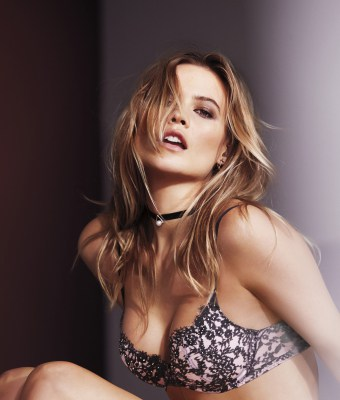 lingerie-valentines-day-2016-behati-very-sexy-push-up-bra-2-victorias-secret-hi-res