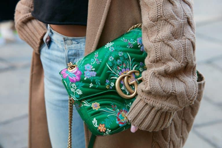 Plecak czy torebka? Co wybrać do codziennej stylizacji.