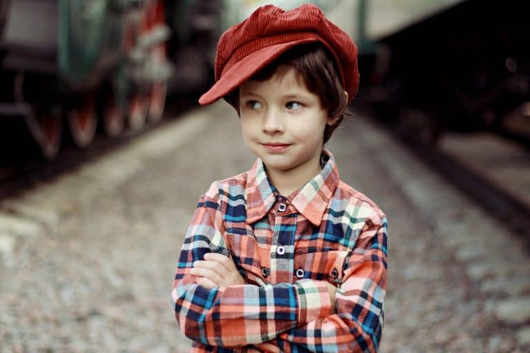 Stylowe polskie czapki idealne na wiosnę